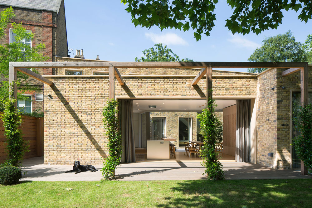 RIBA shortlisted for Canonbury Courtyard House