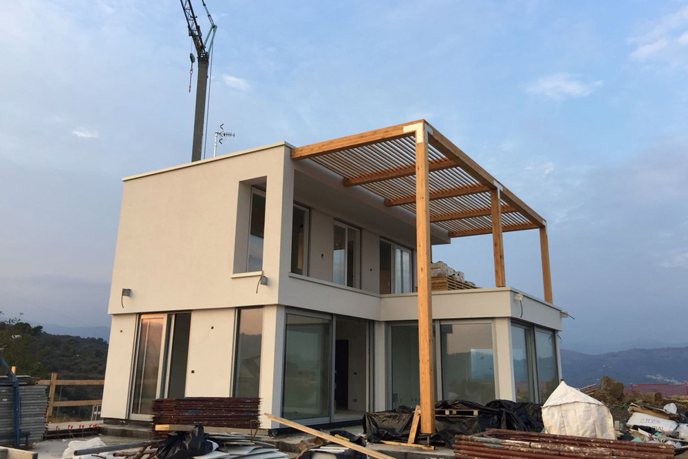 On site for pre-fabricated house in Italy